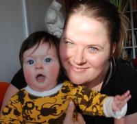 Från förra gången det begav sig, jag med vår flicka Vanna, idag nästan 3 år, då 6 månader. I Kurbits begynnelse, jag hade bloggat en månad vid den här tidpunkten.