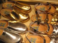 Guld- och silverträskor från Tessa Clogs.
