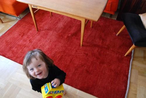 Gabbehmattan. Så här ser den ut. Vår dotter Vanna vill gärna vara med som referensobjekt.