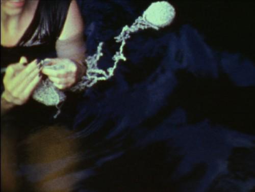 Stillbild ur filmen No Idle Hands, av Sabrina Gschwandtner. (Foto Sabrina Gschwandtner)
