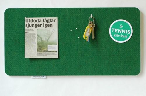 Återvunnen filt från tennisbanor blir finfina anslagstavlor. Från Creatables. (Foto www.creatables.se)