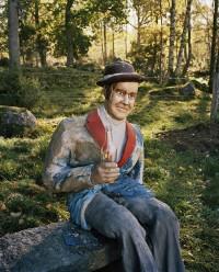 Gubbe med flaska, ur utställningen Annan Konst på Göteborgs Konstmuseum. (Foto Lars Tunbjörk)