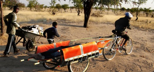Bambulance Project i Kenya. (Foto www.designthatimproveslife.kd)