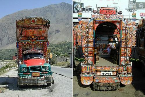 Pakistanska bussar är enligt lång tradition dekorerade för hand av skickliga hantverkare. (Foto Flickr/Imranthetrekker)