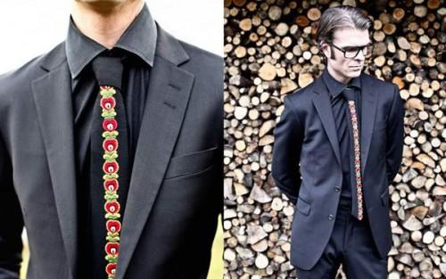 Från norska Sptzbrgn kommer dessa vackra handbroderade slipsar, hämtade från norska folkdräkter. (Foto www.sptzbrgn.no)