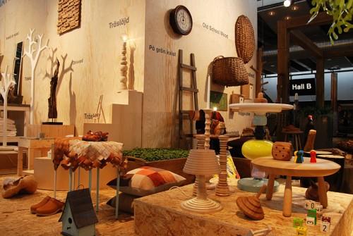 Tema trä när moderådet visar trendutställning i entrén på Hemmässorna. (Foto Kurbits)