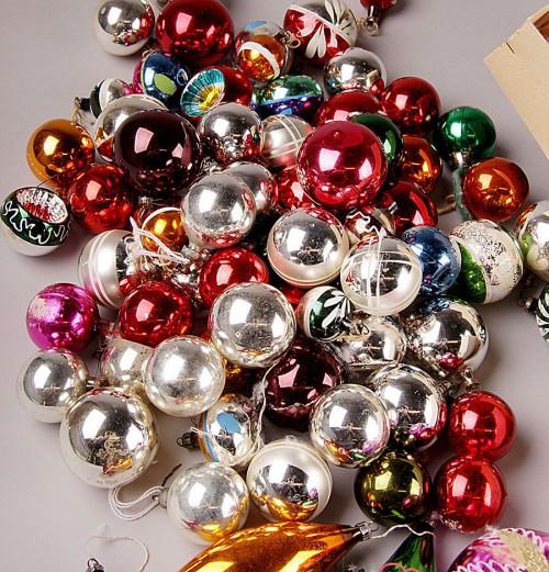 Så här fina julgranskulor finns att köpa begagnat på auktionssajten Lauritz just nu. (Foto www.lauritz.com)
