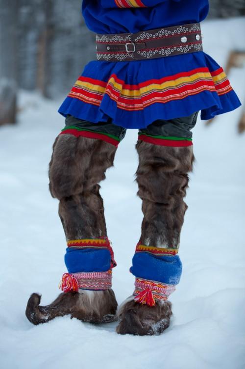 Detalj från samedräkt. (Foto Laila Durán, Scandinavian Folklore)