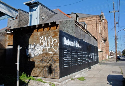 Candy Changs installation Before i die i New Orleans. (Foto www.honestleywtf.com)