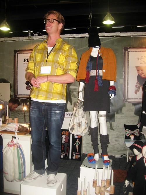 Stefan Nilsson och den folklorepimpade outfiten. (Foto Kurbits)