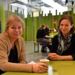 Mitt i Paula Malms naturkafé hittade jag Hemstilats Anna-Karin, till vänster och Hanne, till höger. Vi pratade Hemstilat, nya projekt och lusten att kicka igång lite alternativa pyssel. (Foto Kurbits)