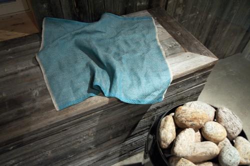 En sittlapp för din bastulav kanske? Nyhet från Växbo Lin som gör det lite trivsamt i bastun. (Foto Växbo Lin)