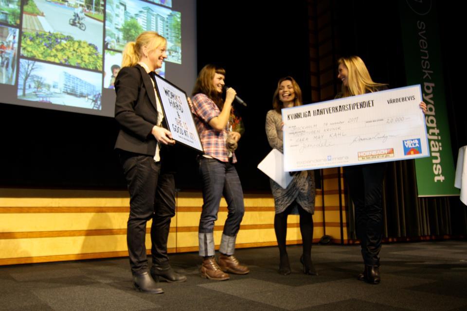 Snickaren Sara May Kahl tog emot första Kvinnliga Hantverkarstipendiet i onsdags. (Foto Jessica Löfström)