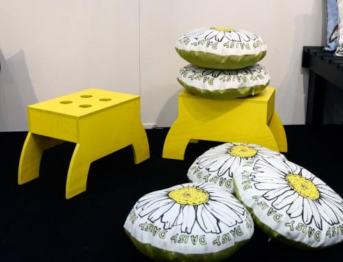 Larsson uniteds pallar i trä har samma fina form som i höstas, men nu en vidareutveckling i nya färger. Superfin! (Foto Kurbits)