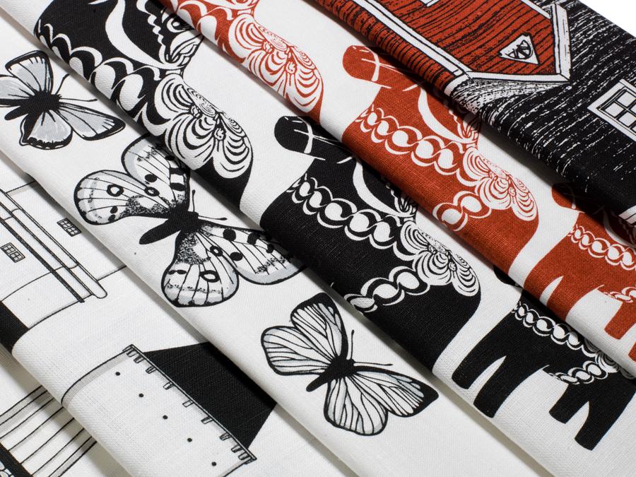 Handdukar från Viltras grafiska värld med inspiration från det svenska kulturarvet. (Foto Vitra Designstudio)
