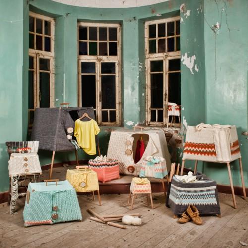 Beril Cicnek från Turkiet gör stickade mobila garderober. Intressant idé och fint genomförande! (Foto Beril Cicek)
