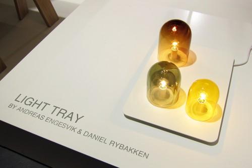 Bra idé! Från Andreas Engsvik och Daniel Rybakken för Asplunds. En bricka med ljus - häpp! (Foto Kurbits)