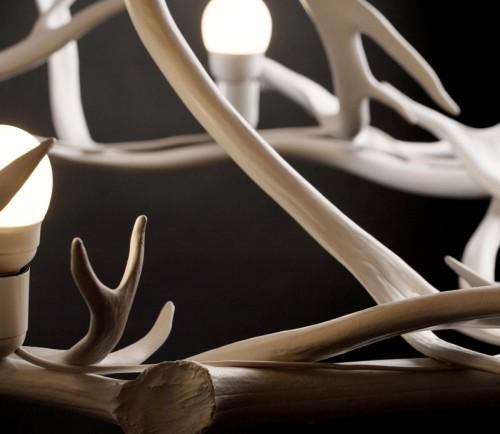 Detalj av takkrona i renhorn, från Miessi. (Foto Miessi Design)