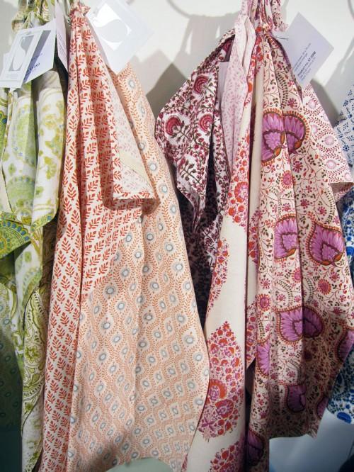 Indisk bomull i fina mönster, från Bungalows monter. (Foto Kurbits)