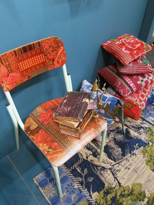 Och tryck på stolar - italienska Miho. (Foto Kurbits)
