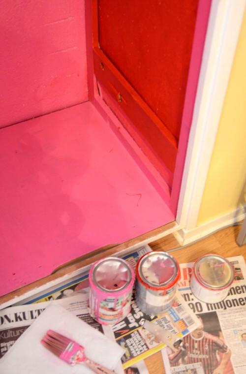 Mina tre färgburkar - rosa och rött. (Foto Kurbits)