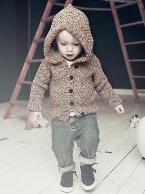 En hoodie för din bäbis? Gör den själv! Från Urban Wool. (Foto Urban Wool)