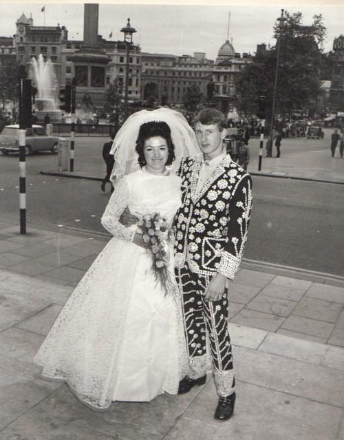 Bröllop i The Pearlies-familjen. (Foto The Pearlies)