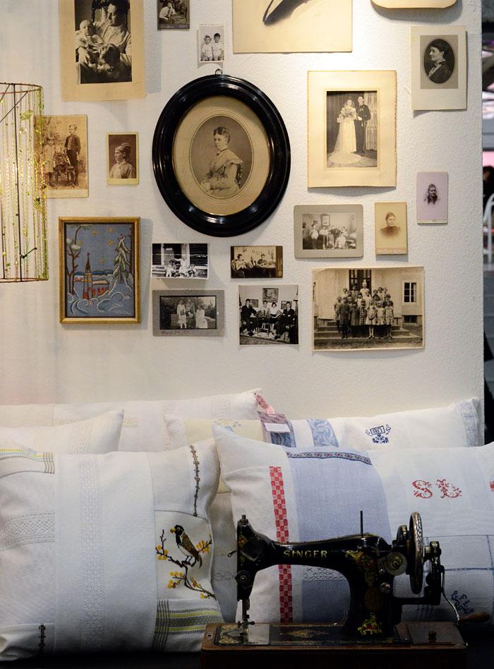 Brusewitz designs produkter andas nostalgi och historia. Lapptäckeskuddarna med monogram och broderier finns kvar, men kollektionen har alltså också utökats och moderniserats med tryckt textil. (Foto Kurbits)