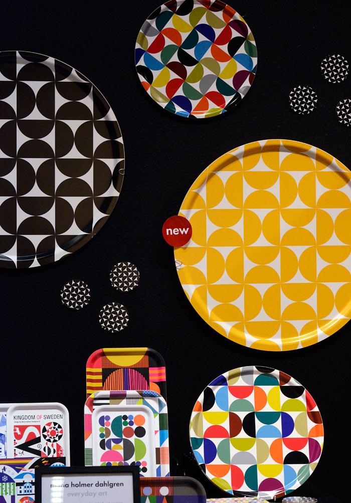 Nytt från Maria Holmer Dahlgren, som med sin numeran nästan klassiska kollektion har en stabil plats på marknaden vad gäller just starka klara färger och geometriska mönster. Respekt. (Foto Kurbits)