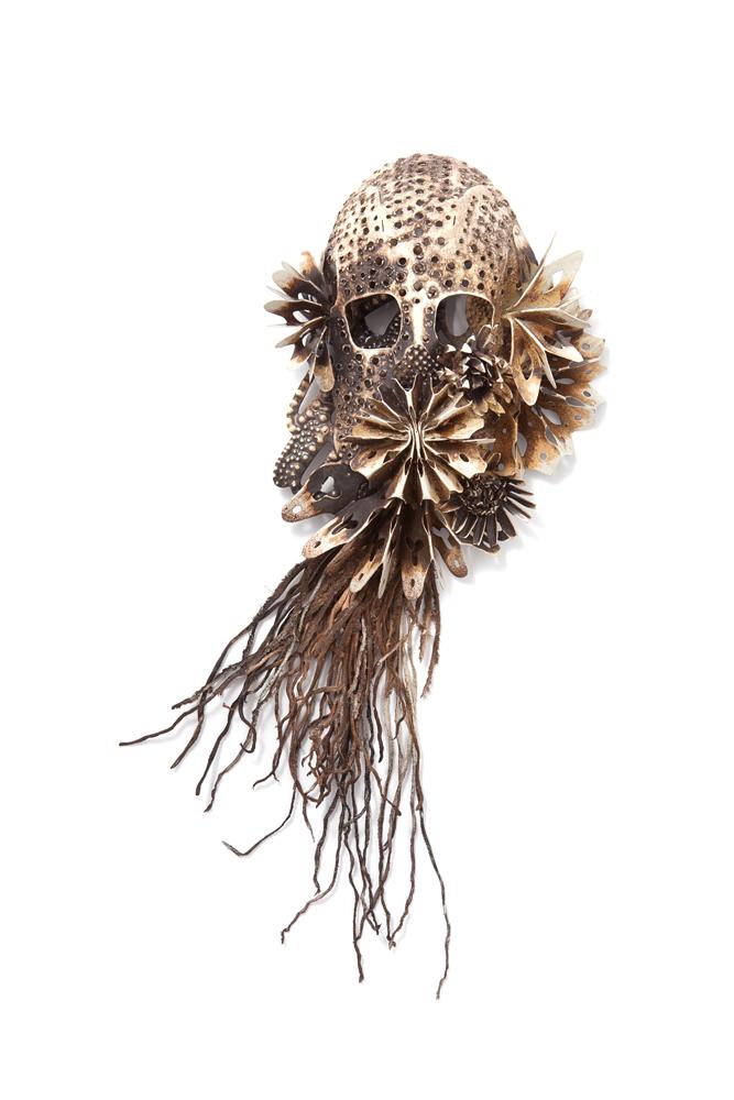 Black Bile. Smyckekonstnären Hanna Hedman är aktuell med ny utställning på Platina i Stockholm. (Foto Platina)
