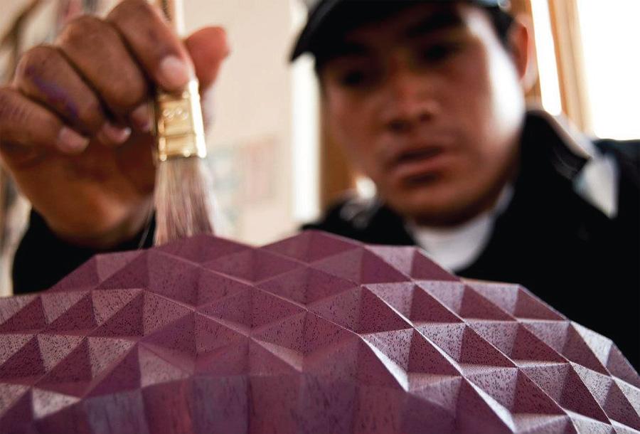 Duon Glimpt söker upp samarbeten med lokala hantverkare, denna produktion i Peru. (Foto Glimpt)