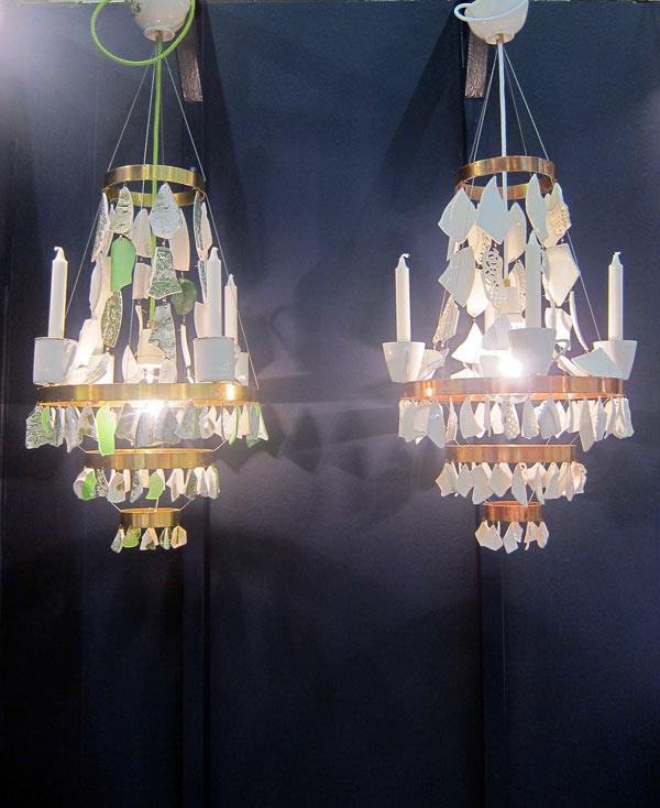 Ljuskronor i mässings- eller kopparstomme. Maffiga, eller hur? (Foto Kurbits)