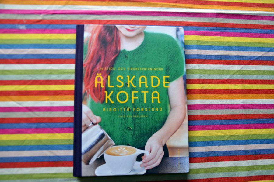 Och det här är bokens omslag. Älskade kofta alltså, av Birgitta Forslund, finns ute nu, Bonnier Fakta. (Foto Kurbits)