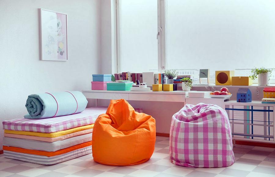 Överdrag till sittpuffar och till madrasser från Bemz. För skydd och för en personligare stil därhemma. (Foto Bemz)