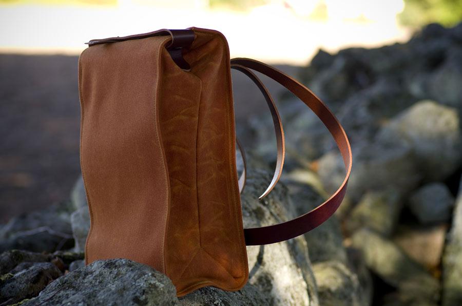 Väskan har också blivit en ryggsäck. (Foto Farmer's racer)