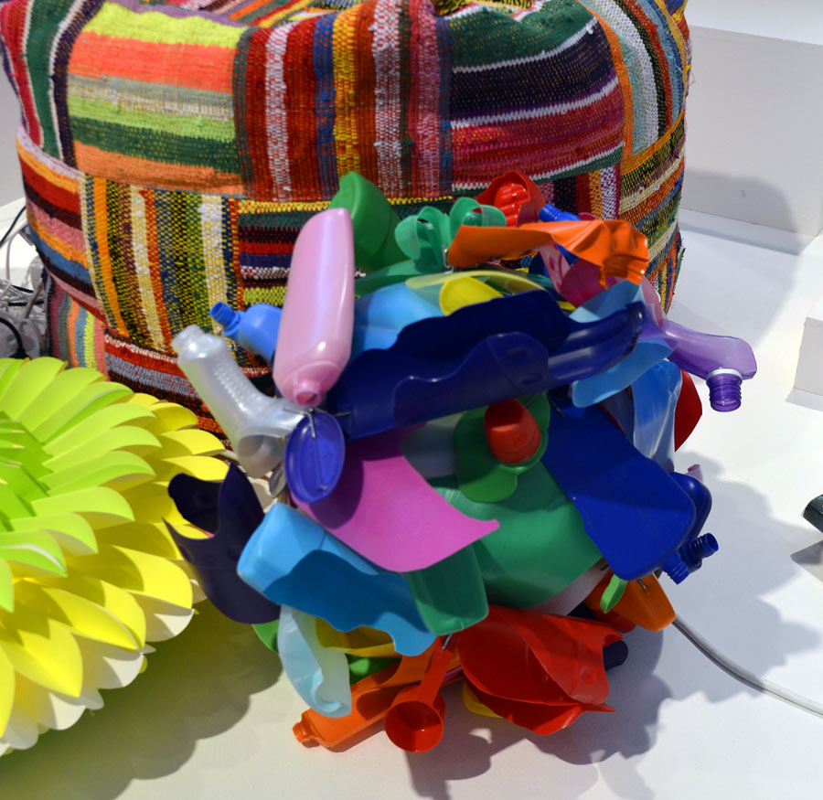 Återbrukade plastförpackningar och petflaskor, Formex inspirationsutställning. (Foto Kurbits)