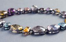 Smycka halsen på Konsthantverkarna