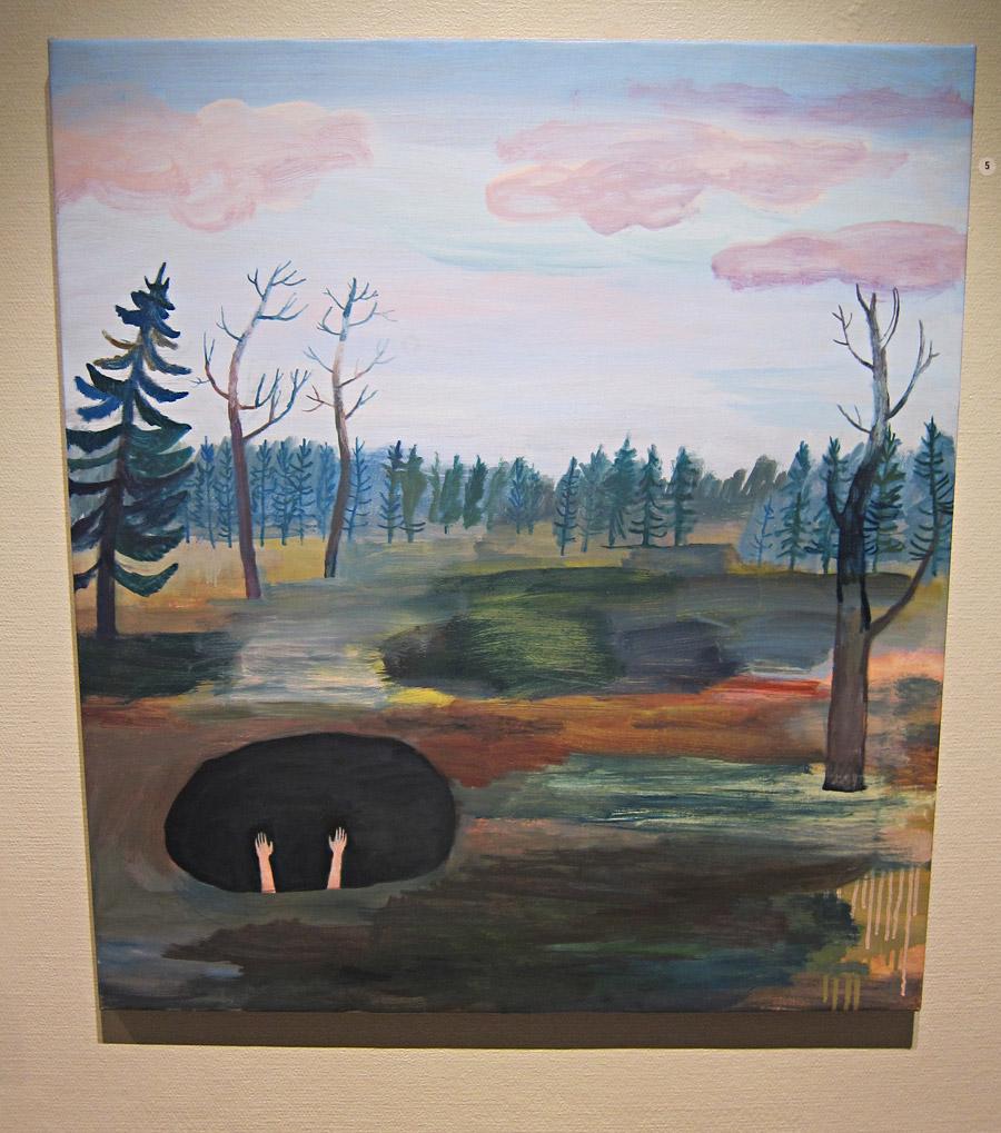 Hålet/Det ordnar sig (detalj från denna målning i inläggets topp) av Ida Björs på Bollnäs konsthall i sommar. Se om du har möjlighet! (Foto Kurbits)