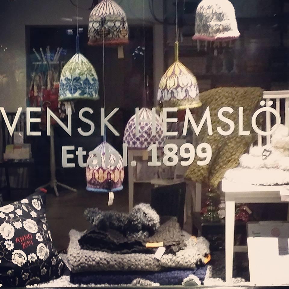 Ikväll 17.00 firas jubiléet lite extra i butiken i Stockholm. Föreningen för Svensk Hemslöjd 115 år. (Foto Jenny Berge)