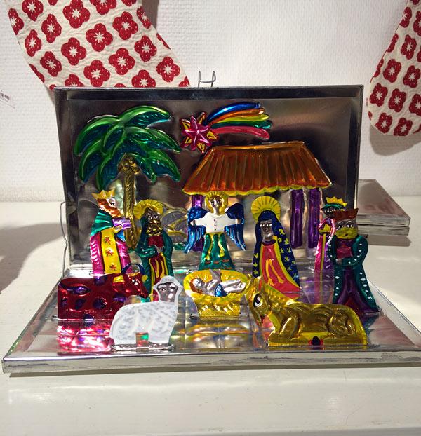 Samma kategori som kungen ovan, en hopfällbar julkrubba! Från Mexiko. (Foto Kurbits)