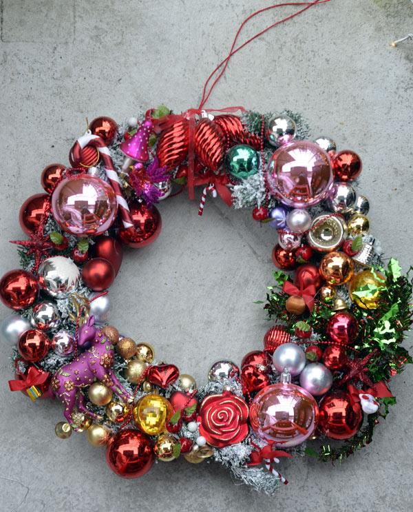 Kurbits julkrans delux, den har funnits med ett tag här på bloggen och kommer fram här hemma varje jul. Idag finns den på Nordiskas julblogg. (Foto Kurbits)