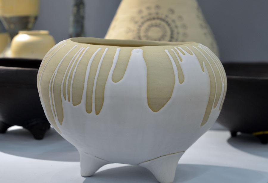 Från Slöjd, hantverk och formgivning på Linköpings Universitet - Frida Arwidsons keramik. Utbildningen hade en riktigt fin monter. (Foto Kurbits)