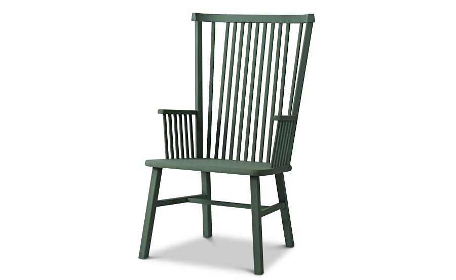 Länstolen Ida, design Emma Olbers för Tre Sekel. Namnet kommer från Emmas syster som önskade sig en stol framför brasan. Finns i flera nyanser. (Foto Tre Sekel)