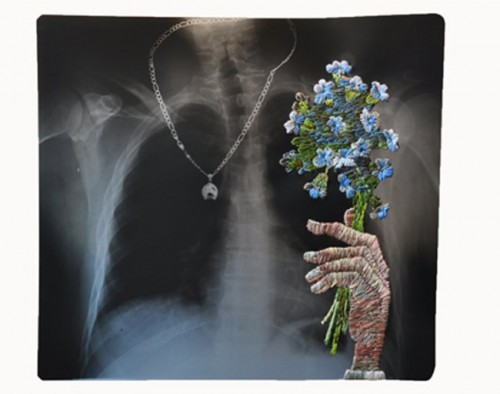 Necklace with bouquet, Matthew Cox. (Foto Matthew Cox)