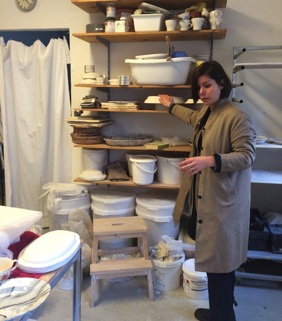 Och här är Frida Mälarborn Hoshino i sin ateljé i Majorna i Göteborg. (Foto Kurbits)