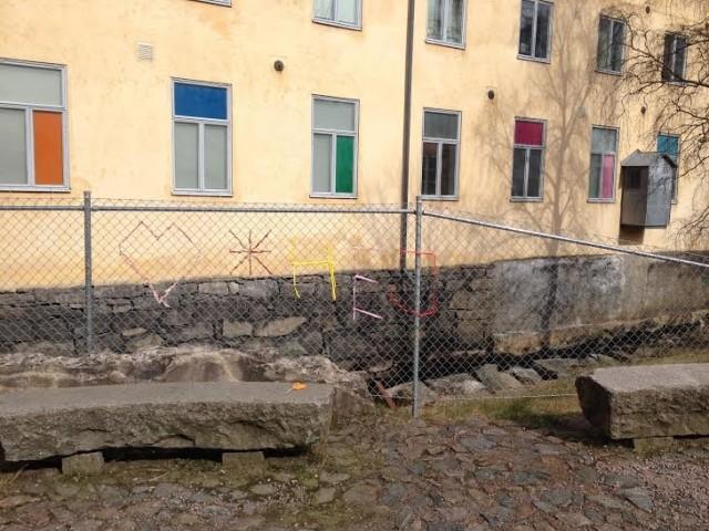 På lördag går det att ta del av Slöjd Deluxe gerillaslöjdsworkshop på Stadsmuseet i Mölndal på temat segregation; var vill du bo? (Foto Slöjd Deluxe)