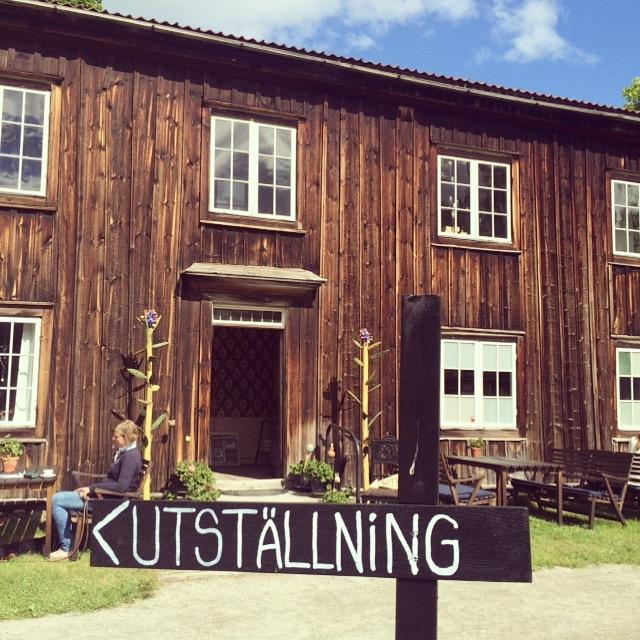 Träslottet i Arbrå i Hälsingland, på hälsingegårdens övervåning finns numera utställningen om bloggen att finna. (Foto Kurbits)