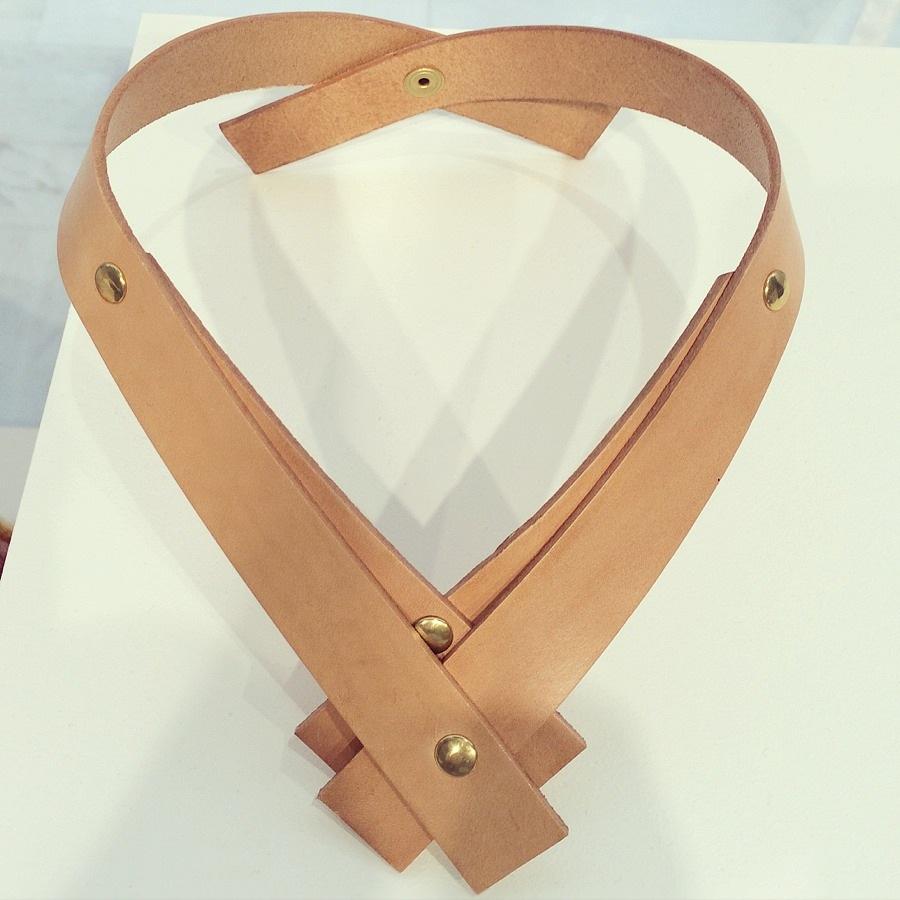 Fler nomineringar - detta fan-tast-tiska halsband, av Saga Gevargez, med företaget Saga Melina - är ett av 20 föremål som är nominerade till Formex Formidable. Priset tillkännages på mässan i januari, och du som publik kan gå in på Formex sajt och rösta fram din favorit. (Foto Kurbits)
