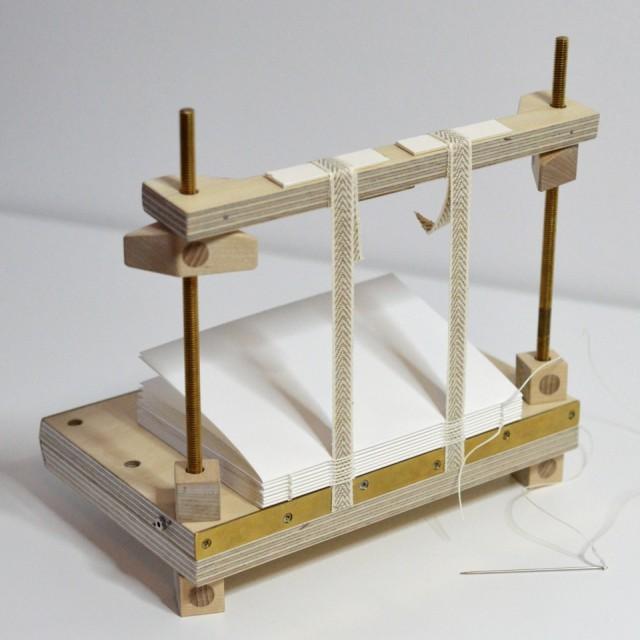11 oktober arrangerar The Craft Lab en kurs i bokbindning med bokbindaren Toby Gough. (Foto The Craft Lab)