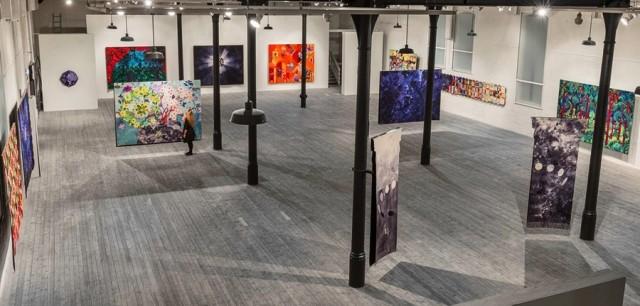 Den här bilden har jag lånat från ingerjohanne.no, där det också framgår storlekarna på verken, något jag tycker ser imponerande ut. Utställningen Textil intarsia av Inger Johanne Rasmussen öppnar på Sven-Harrys konsthall i Stockholm på lördag.